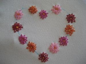 Belajar Menyulam Yuk Bunga Aster Dari Lazy Daisy Stitch Menjalani Hari Dengan Hati